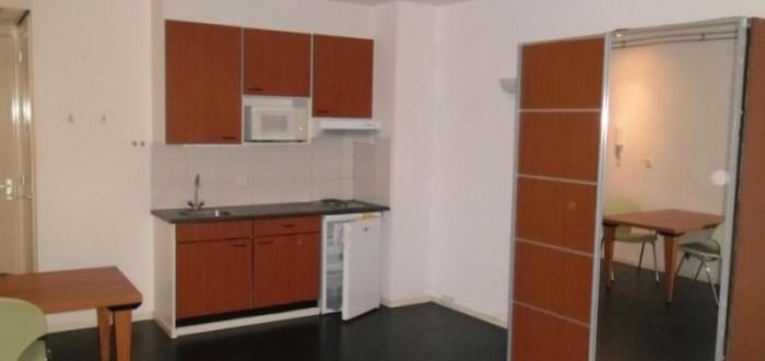 Kamer wittevrouwenstraat utrecht - Witte kamer en fushia ...